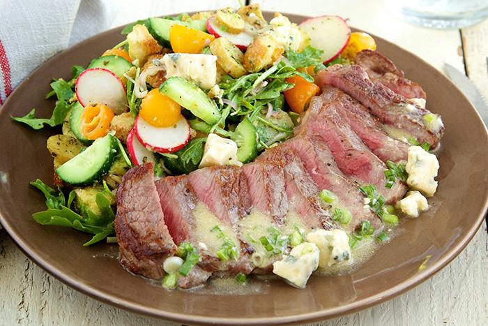 Steak Salad with Gorgonzola Horseradish Dressing and Rosemary Potatoes ...
