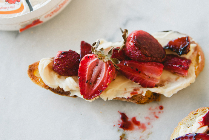 Roasted Strawberry Crostinis with Queso Fresco Chipotle Cheese
