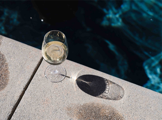 "Your 5-Minute Guide to Albariño — aka ""Summer in a Glass"""