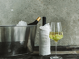 3 Quick Ways to Chill Your Wine