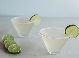 Happy Cinco de Mayo! Try Our Delicioso Wine Margarita